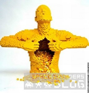 0_Inside the legoman
