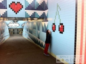 0_Pixel-art-in-subway