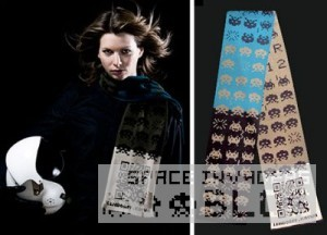 0_Space-Invaders-Themed-Scarf