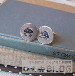 0_space invader cufflinks